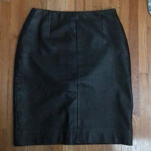 Saks fifth avenue black genuine leather skirt sz6